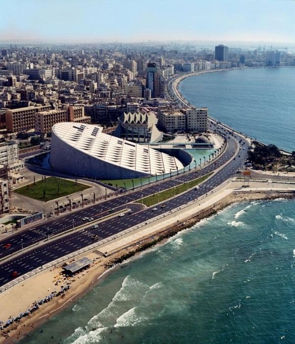 Новая Александрийская библиотека (Египет).