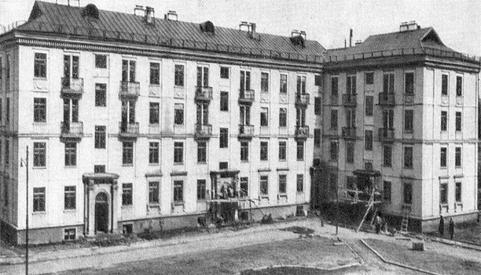 Первые каркасно-панельные дома на Хорошевском шоссе (1949 г).