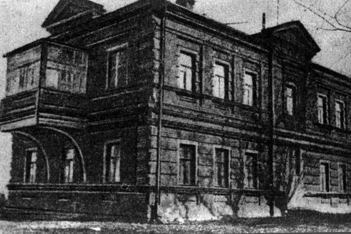 Особняк Евгении Мак-Гиль на улице Каланчевской, дом 32/61 был передвинут в 1897 году на сто метров (Москва). | Фото: moslenta.ru.