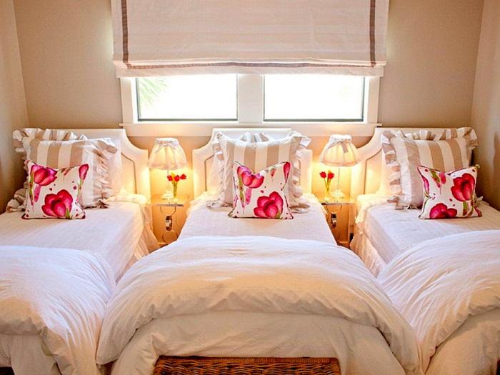 Расположение отдельно стоящих кроватей.