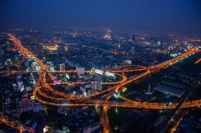 В Бангкоке создали самое грандиозное наземное сооружение мостового типа.