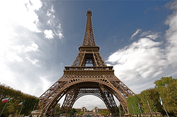 Современный вид Эйфелевой башни (Париж, Франция). | Фото: mydiscoveries.ru.