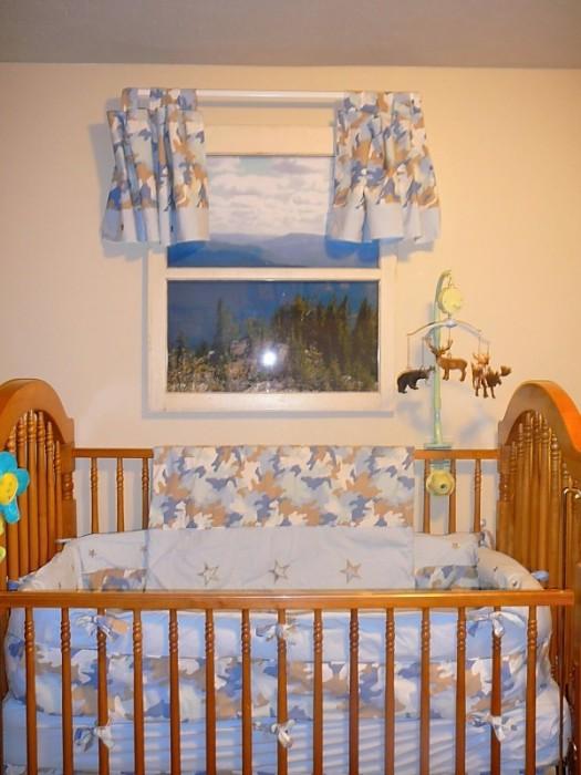 Фальш-окно в детской спальне.