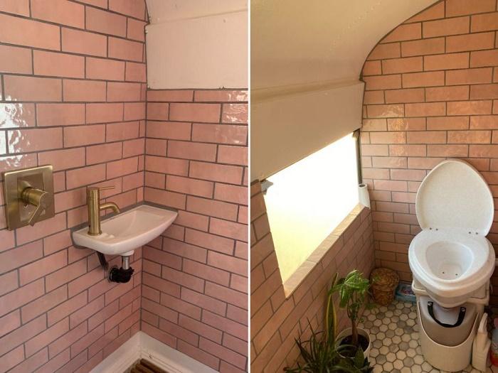 В ванной комнате есть душ, раковина и компостный туалет (Adelita).