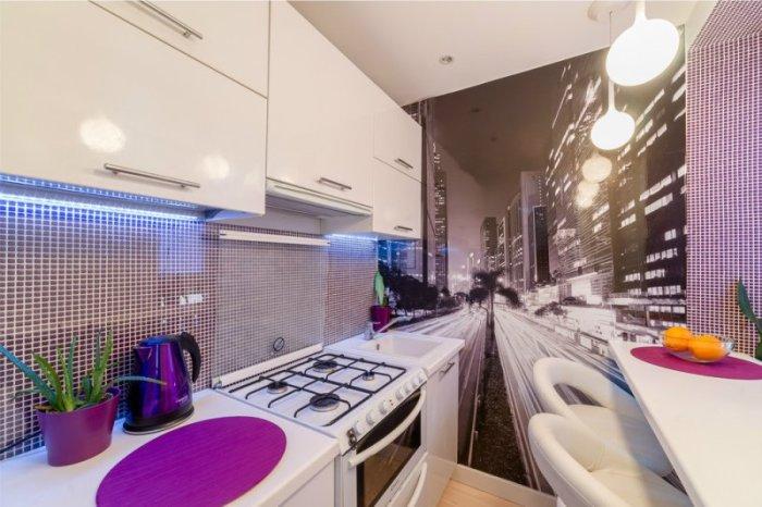 Фотообои с изображением, в котором есть перспектива, помогут визуально увеличить пространство. | Фото: kitchendecorium.ru.