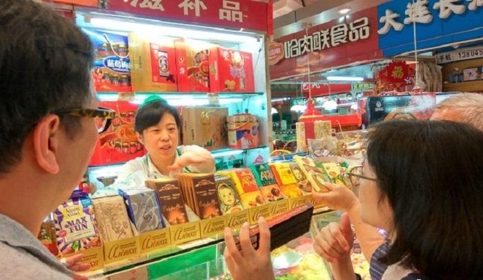 Китайцы «подсели» на российские сладости, которые продают не только в супермаркетах, они их рассылают даже почтой. | Фото: ampravda.ru.
