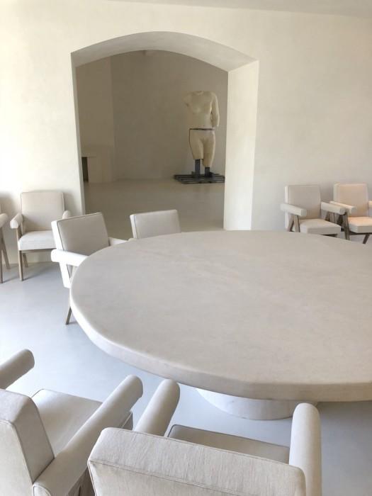 Одна из гостиных в особняке Ким Кардашьян и Канье Уэста на Хидден-Хилс. | Фото: krasotka.cc.
