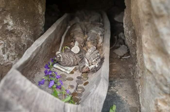 В последний путь умерших родственников отправляли в деревянных ладьях. | Фото: sk.legaltechnique.org.