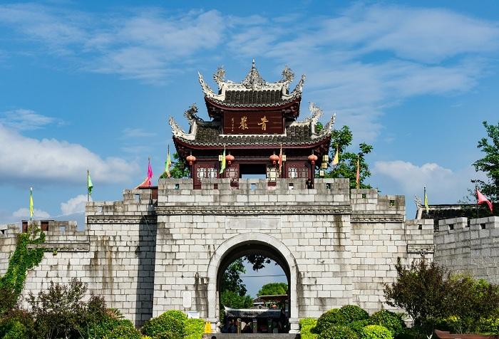 В «Парке мира» создали копии архитектурных шедевров мира (Хуаси, Китай).