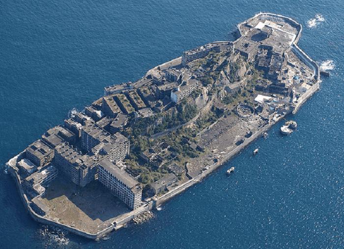Японский остров-крейсер.