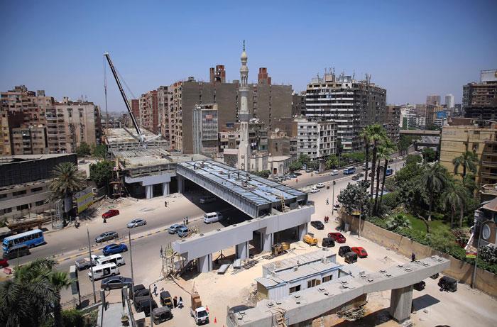 Строительство эстакады идет быстрыми темпами («Teraet Al-Zomor Bridge», Египет). | Фото: laguiadelvaron.com.