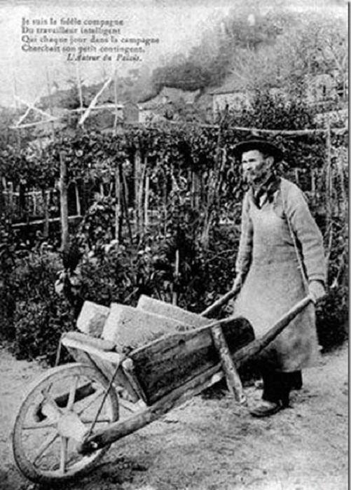 Фердинанд Шеваль 20 лет собирал камни для создания дворца.
