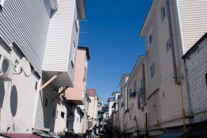 Такое архитектурное новшество имеет свои улицы и площади.