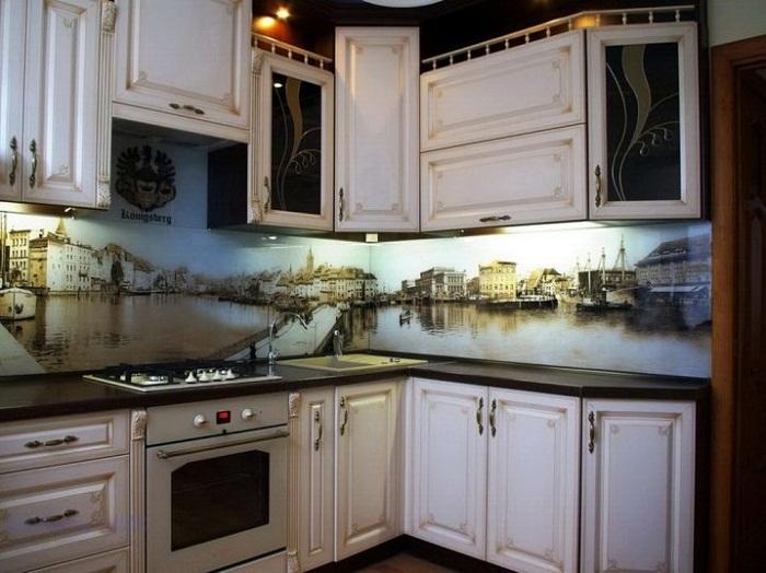 Кухонный фартук и панелей МДФ с фотопечатью.