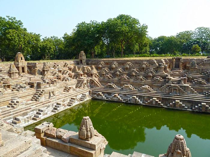 Солнечный храм Модеры в Сурия Кунд (Гуджарат, Индия). / Фото: undergroundexpert.