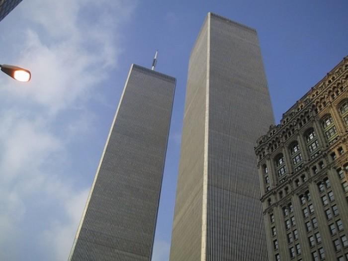 Ничего лишнего, а взгляд притягивают (Башни бывшего Всемирного торгового центра до трагического события в 2001 г). | Фото: interestingengineering.com.