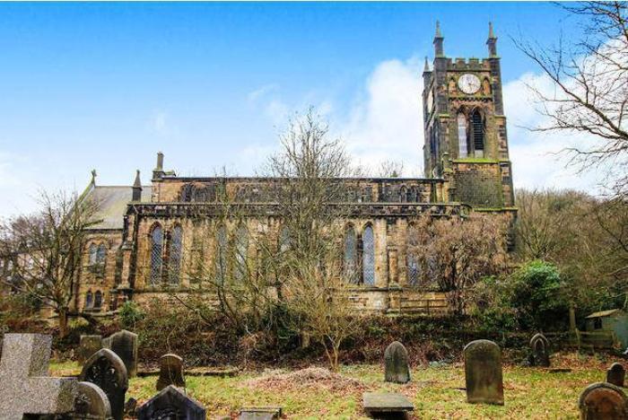 Церковь Христа выставили на продажу в Западном Йоркшире (Англия).