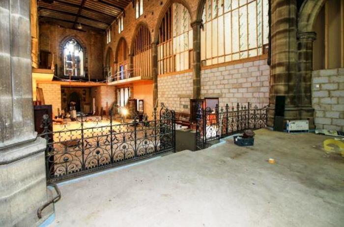 Реконструкция холла церкви Христа.