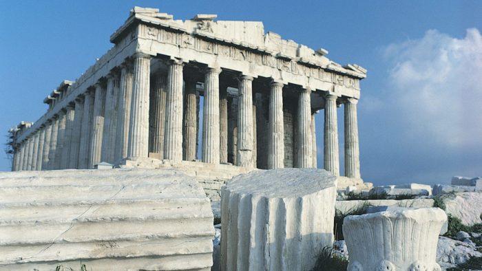 Сегодняшний Акрополь — практически полная реконструкция древнейшего храма (Греция). | Фото: beforeafter.rs.