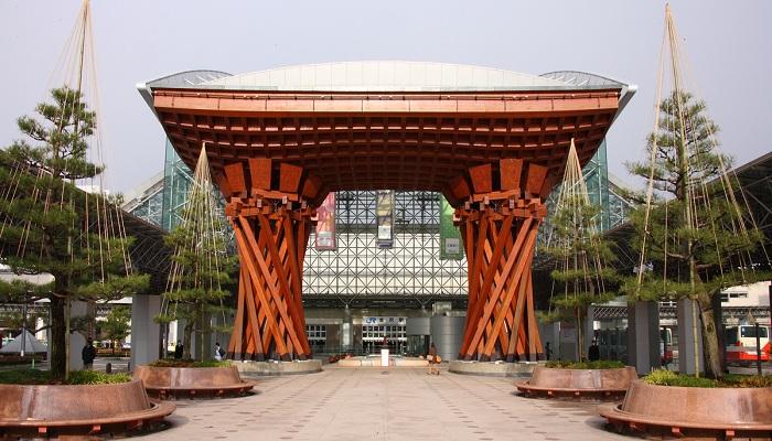 Станция Канадзава – самое невероятное сооружение города (Япония).