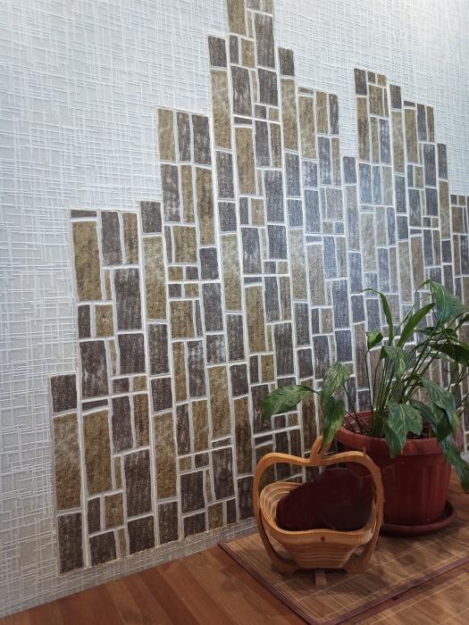 Бюджетная идея использования напольной плитки в декорировании стены обеденной зоны и не только. | Фото: moydomovoy.com.