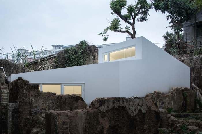 Панельные модули создают для каждого дома индивидуально (Plugin House, Китай). | Фото: newatlas.com.
