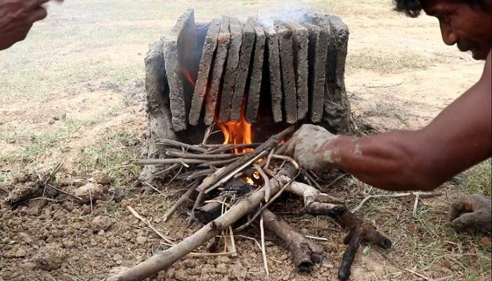 Облицовочную плитку делали из песка и глины и обжигали на костре.