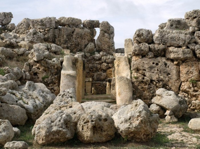 Сохранившая часть храмового комплекса Джгантия на Мальте. | Фото: polit.ru.