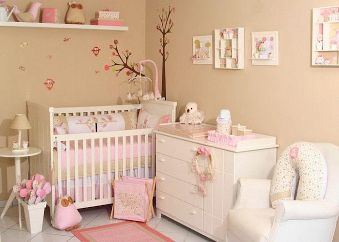 Интерьер комнаты для новорожденного.