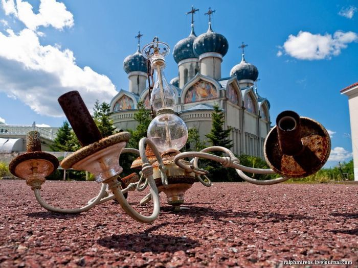 Удручающий вид тематического парка «Русская деревня» (Ниигата, Япония). | Фото: liveinternet.ru.