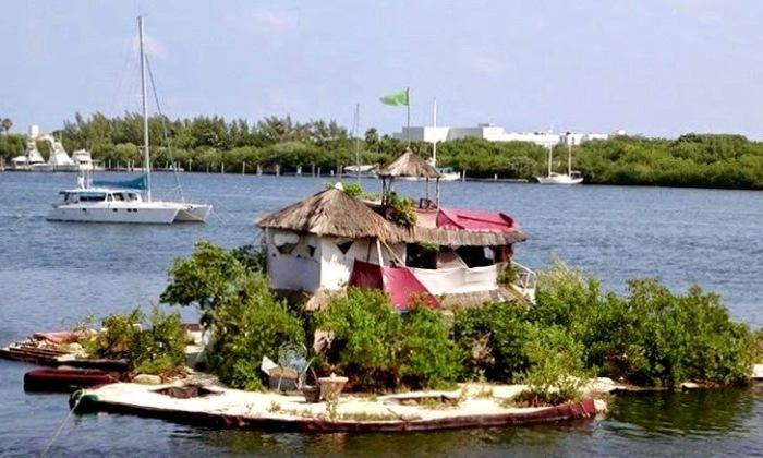 Понадобилось 2 года, чтобы новый остров начал принимать гостей (Joysxee, Мексика). | Фото: theflyingtortoise.blogspot.com.
