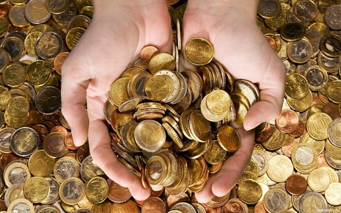 Из такой горсти монет можно создать необыкновенные сувениры и талисманы.
