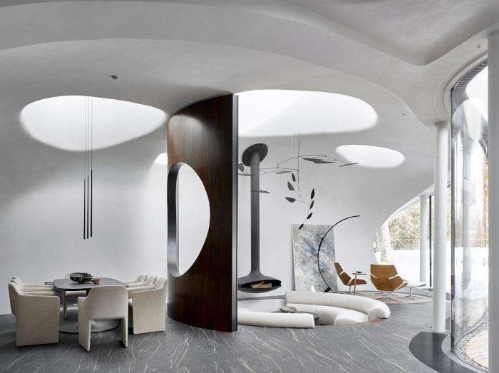 Несмотря на минимализм гостиная выглядит действительно роскошно («House in the landscape», Подмосковье). | Фото: arquitecturaydiseno.es.