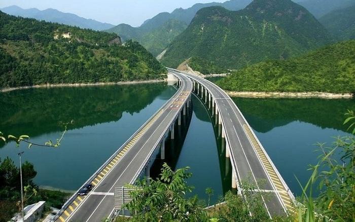 Даньян-Куньшаньский виадук имеет невероятную транспортную развязку (Китай).