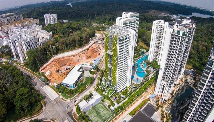 Живые растения украшают фасад и крышу 24 этажного здания («Tree House», Сингапур). | Фото: zeleneet.com.