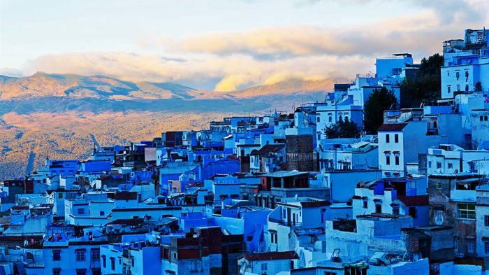 Невероятно красивый городок Шефшауэн раскинулся на склонах Рифских гор (Марокко). | Фото: zelenyimir.ru.