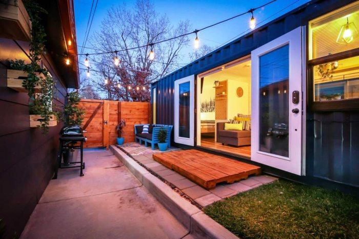Молодожены из Денвера грузовой контейнер превратили в полноценный жилой дом. | Фото: tinyliving.com.