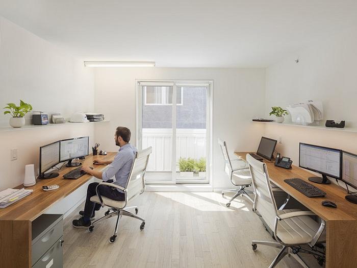 В кабинете создали полноценные рабочие места (Tiny Tower, Филадельфия).