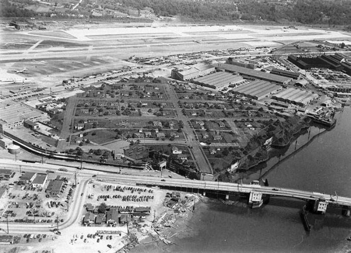 Так выглядел авиационный завод Boeing в Сиэтле после полной маскировки. | Фото: dezinfo.net.