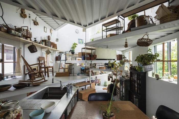 Такое разноуровневое пространство без перегородок и стен устроит творческих людей. | Фото: djournal.com.ua.