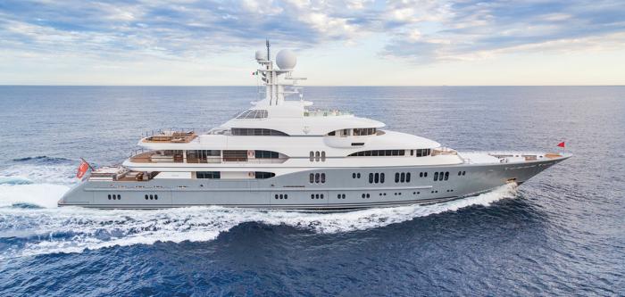Может появиться фантастическая возможность пожить недельку на яхте, стоимость которой превышает 100 млн дол. | Фото: hushhush.com.