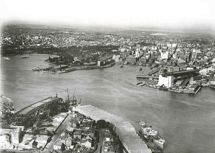Строительство The Sydney Opera House было запланировано на месте трамвайного депо (фото 1920 г., Сидней).   Фото: ru.wikipedia.org.