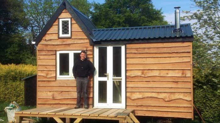 За 3 года молодой человек из Бристоля построил собственный дом на колесах. | Фото: boredpanda.com.