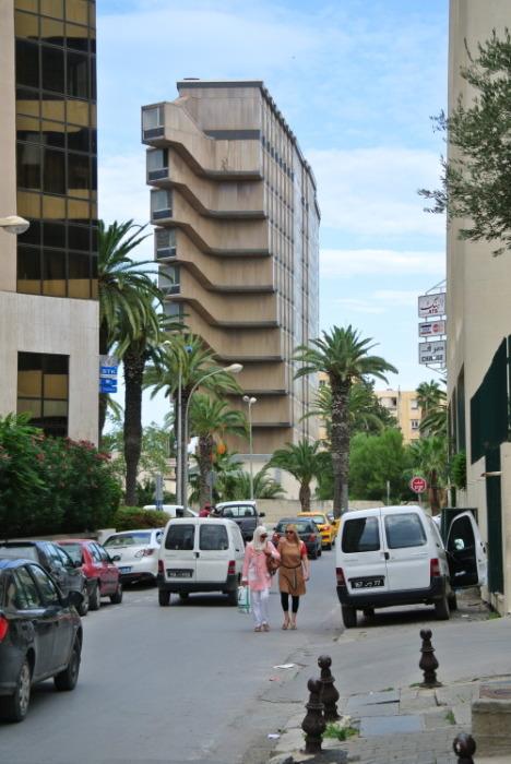 Hotel du Lac находится на центральной площади Туниса. | Фото: cairobserver.com.