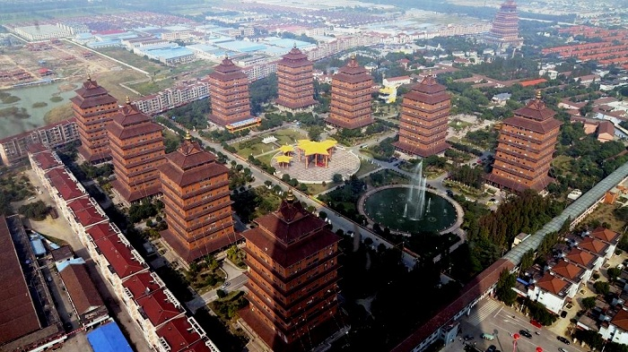 Деревня миллионеров – Хуаси (Китай).