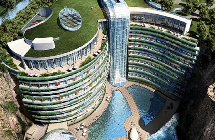 На крыше отеля Songjiang InterContinental устроили зеленую зону.