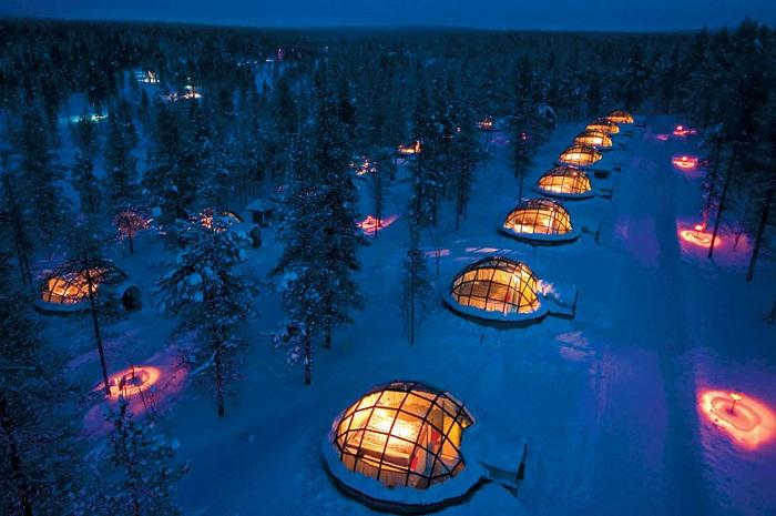 Для любителей суровой северной красоты был создан комплекс Kakslauttanen в Лапландии.