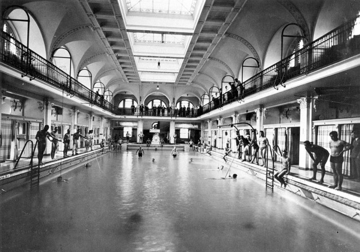 Плавательный бассей стал тренировочной базой для олимпийцев в 30-х годах прошлого века (Вюнсдорф, Германия). | Фото: karlsruhe.de.