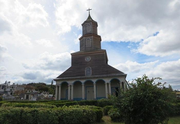 Церковь в Нерконе (Остров Чилоэ).