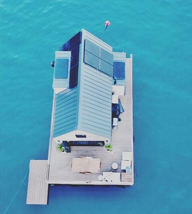 Благодаря установке систем сбора и очистки воды, а также солнечных панелей плавучая вилла полностью автономна («LilyPad Palm Beach Villa», Австралия).   Фото: boredpanda.com/ © Ian Davidson.